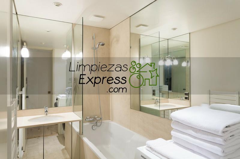 Cómo hacer una limpieza a fondo de tu cuarto de baño