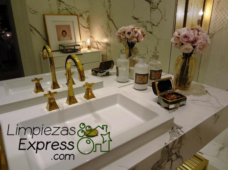 limpiar el baño, limpiar lavabo, limpiar griferia del baño