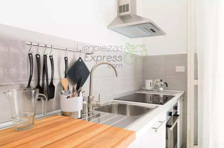 limpieza cocina con enseres, limpieza a fondo de cocinas, limpiar cocina con enseres