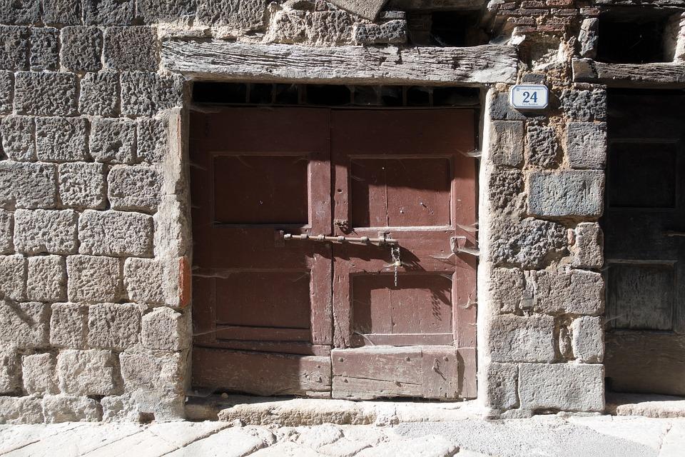 C mo limpiar el dintel de la puerta de manera eficaz - Dinteles de madera ...