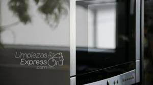 como limpiar microondas, limpieza correcta de microondas, eliminar bacterias de microondas
