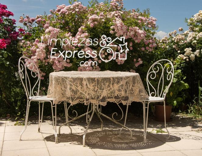 consejos para limpiar la terraza en primavera