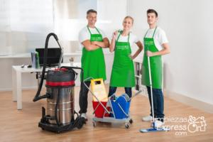 operarios Limpiezas Express, limpiezas profesionales