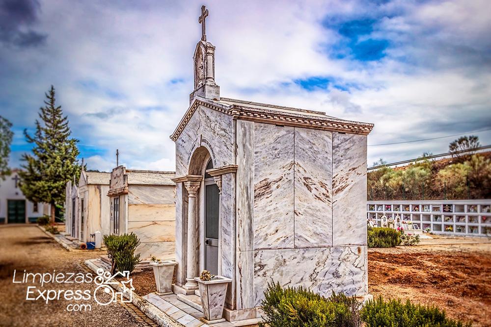 pintar letras tumba o panteones, pintura profesional de tumbas