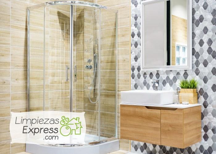 como eliminar por completo el moho del baño, evitar que el moho salga del baño