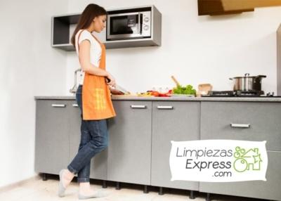 limpieza profunda de casa, limpieza profunda de cocina en sevilla, equipo de limpieza sevilla