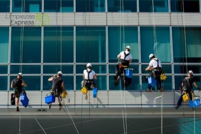 coste limpieza de cristales y ventanas