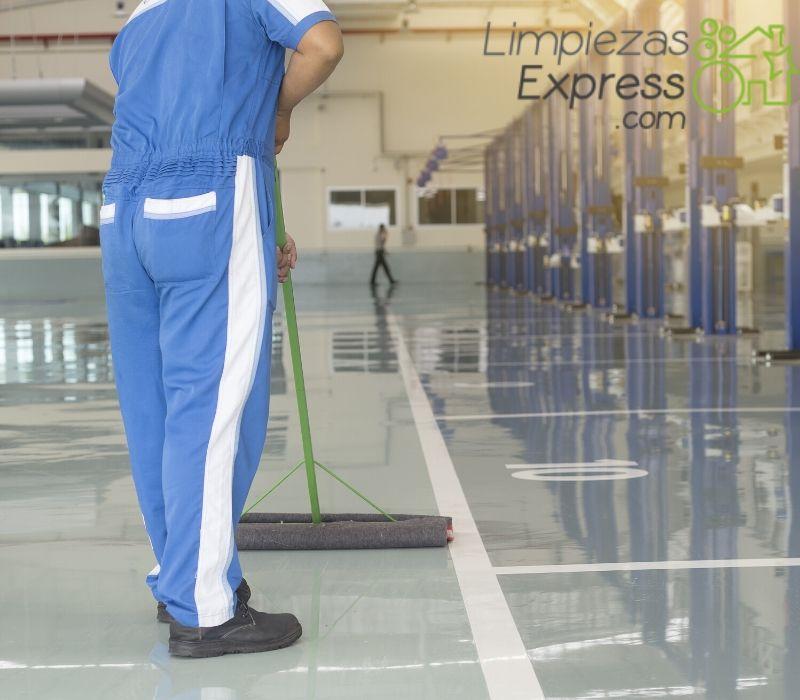precio limpieza de naves y fabricas