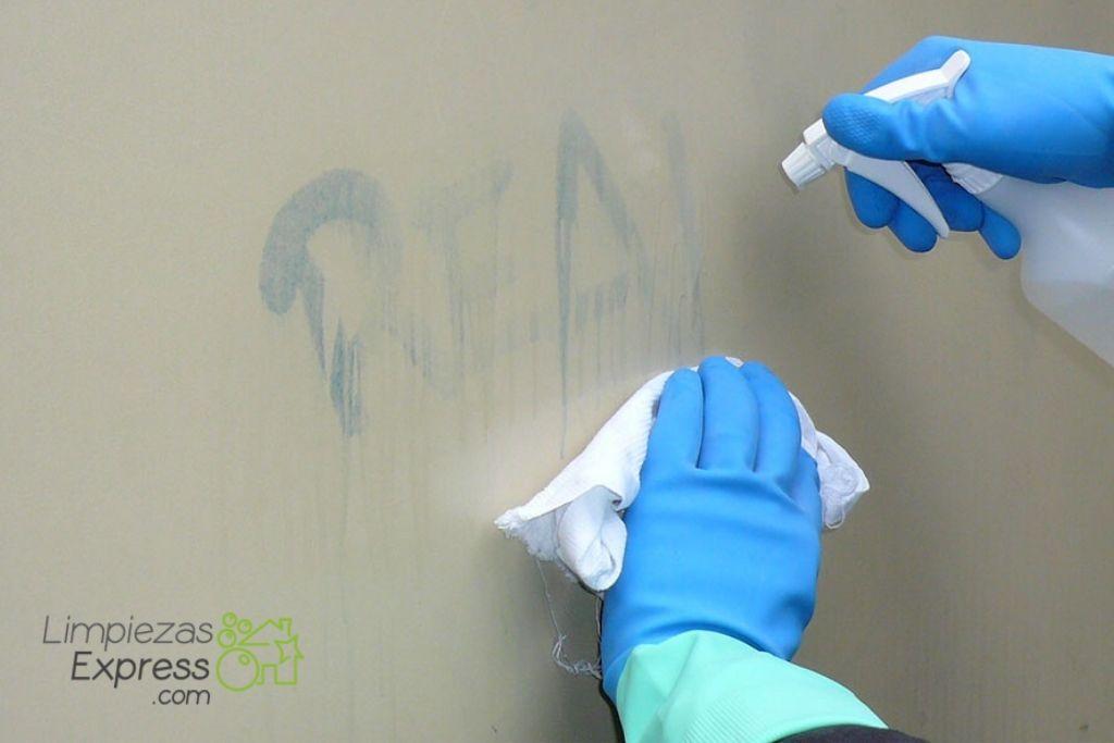 Servicios de limpieza de graffitis en cualquier fachada