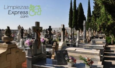 limpieza de sepulturas